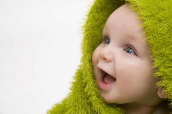 gülen bebekler