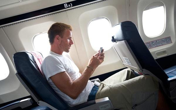 uçak ve telefon
